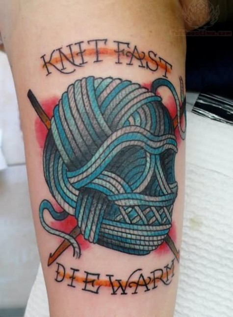 knit-fast-die-warm-kniiting-skull-tattoo-on-half-sleeve